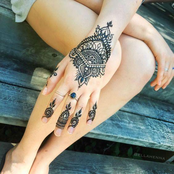 Easy Black Henna