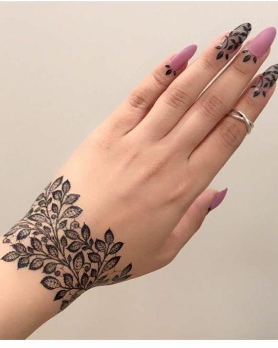 Wrist Henna Design